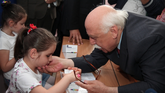 Minister Avcı distributes report cards